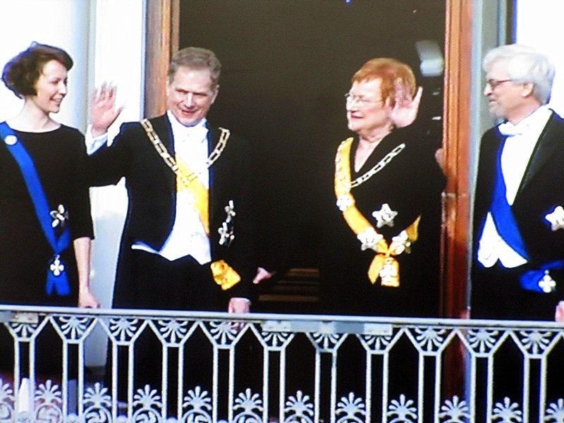 Последним помахал нынешний президент Саули Ниинисте