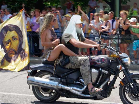 """Картинки по запросу """"Ночные волки"""", Путин с голыми сиськами на мотоцикле"""