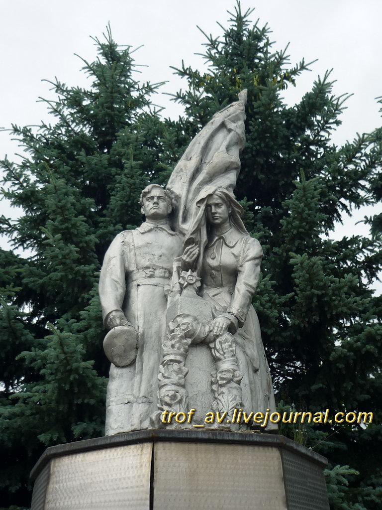 Мемориал павшим в Великой Отечественной войне, памятник, Калужская обл., с. Барятино.